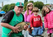 ith-the-big-bream-that-sealed-his-victory-1024x731.jpg